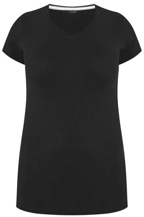 Plus Size Black V-Neck T-Shirt   Sizes 16 to 36   Yours Clothing