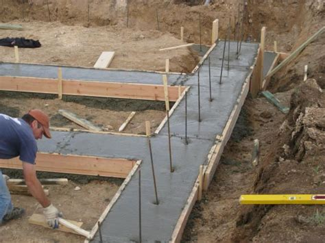 post with cement footing carpentry best 25 concrete footings ideas on