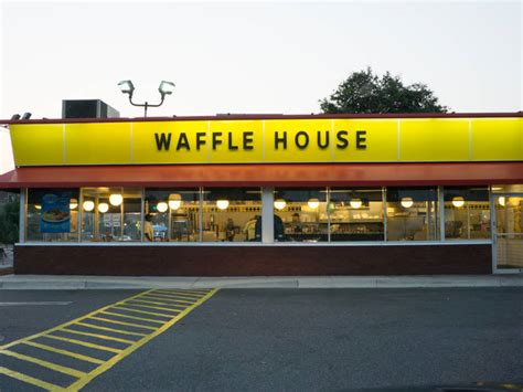 waffle house houston tx waffle house server s kind act wins hearts and 16k scholarship clear lake tx patch