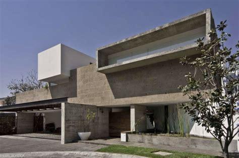 haus aus beton gießen haus aus beton und glas raues design trifft moderne