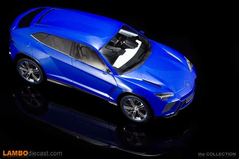 lamborghini urus blue the 1 18 lamborghini urus from model car group a review