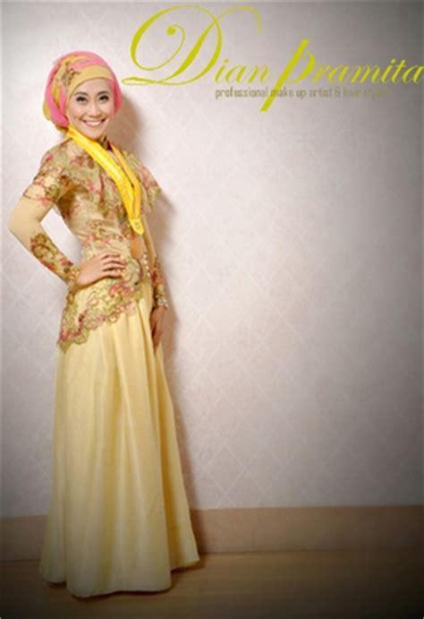 tutorial hijab wisuda trend 2015 aneka model hijab modern untuk wisuda