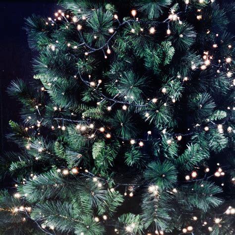 lichterkette weihnachtsbaum anbringen lichterketten am