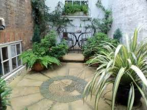 courtyard garden ideas tiny courtyard ideas google search small interior