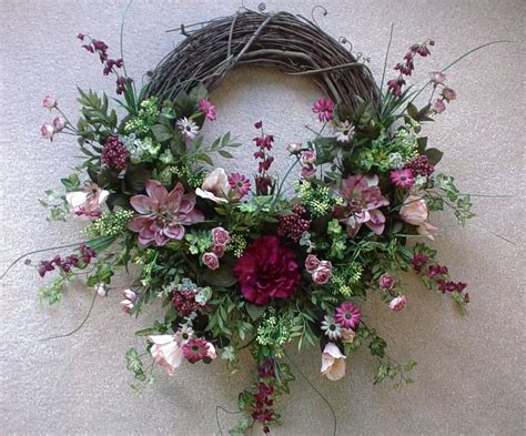 how to make grapevine wreaths 18 diys and decorating