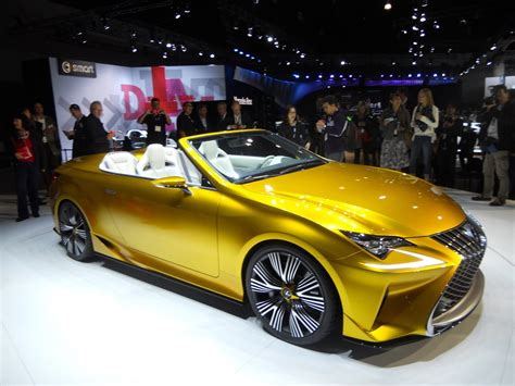 lexus lf c2 does lexus lf c2 get your attention for the right or