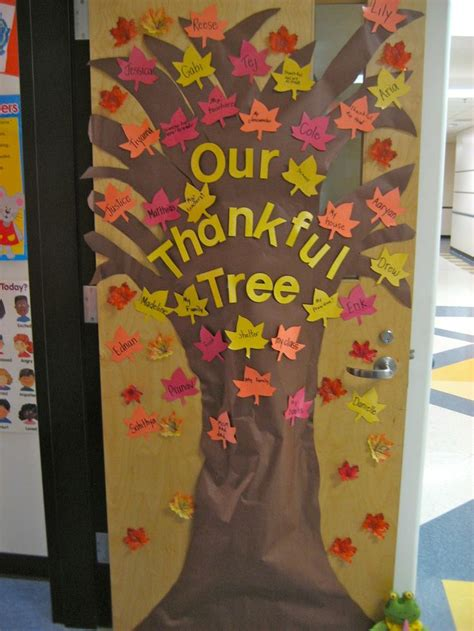 fall door decorations for school quot the thankful tree quot students write something they