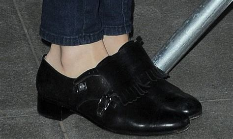 pixie lott loafers how to wear retro inspired fashion like pixie lott