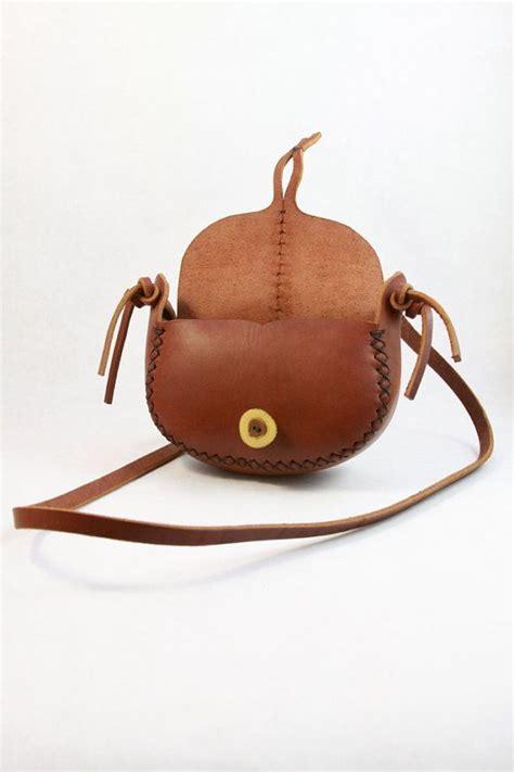 C Nel 202 Leather oltre 25 fantastiche idee su cucitura a mano su