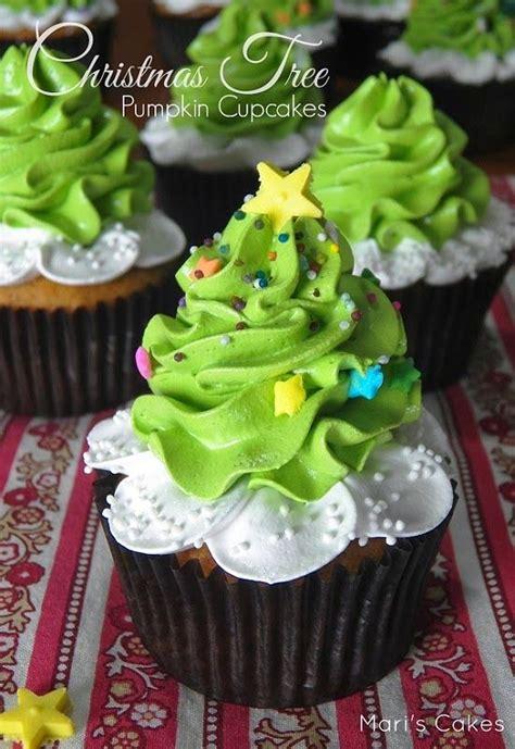 34 beautiful christmas tree cupcakes