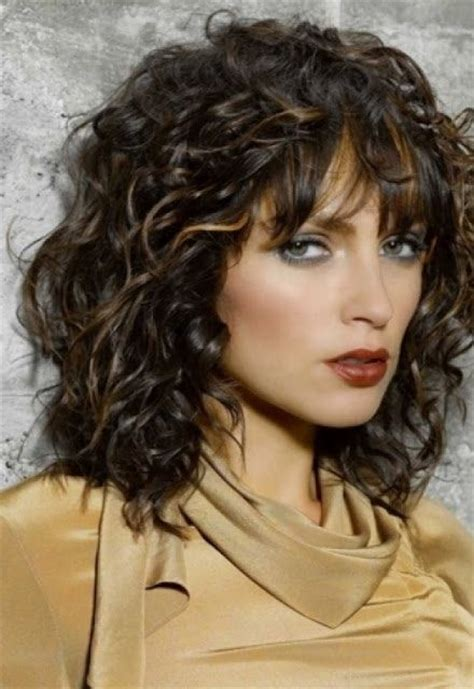 7 cute curly hairstyle ideas to try in 2016 best 25 medium curly ideas on pinterest medium curly
