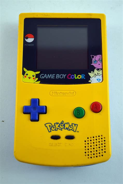 yellow gameboy color nintendo boy color edition system console