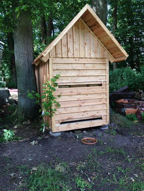 Beehive Shed 1000 images about bee houses on beekeeping supplies sheds and bee hives