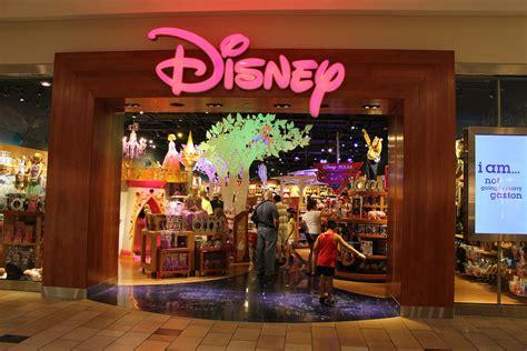 Disney Store City Floor - disney store entrance inside the magic flickr