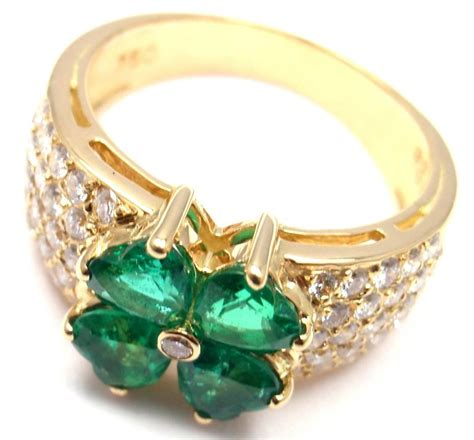 cleef and arpels emerald gold flower ring at