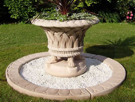 Garden Urns And Planters by Garden Urns And Planters In Uk Geoffs Garden