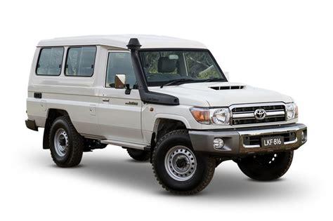 how petrol cars work 1995 toyota land cruiser parking system 2018 toyota landcruiser gxl 4x4 5 seat 4 5l 8cyl diesel turbocharged manual suv