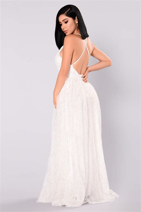 White Dress Pantai S winning maxi dress white