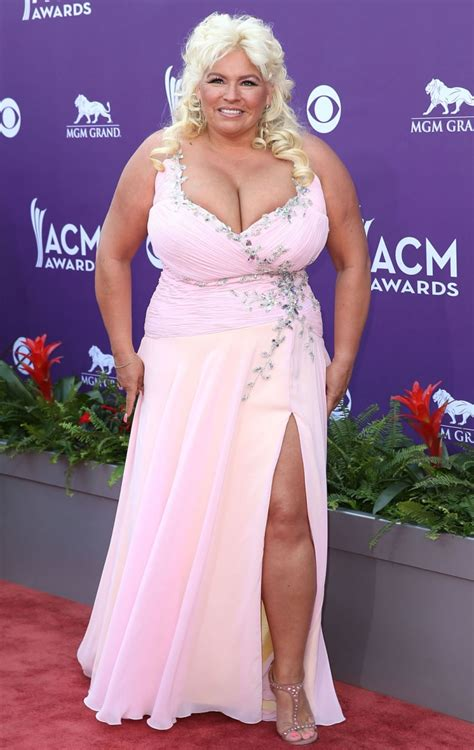 the bounty beth acm awards 2013 the bounty s beth spills out of dress photo