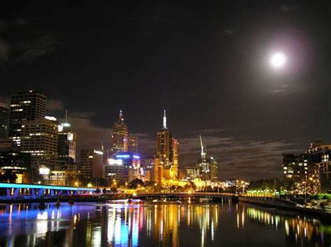 gold wallpaper melbourne traveling to city of melbourne the city of gold australia