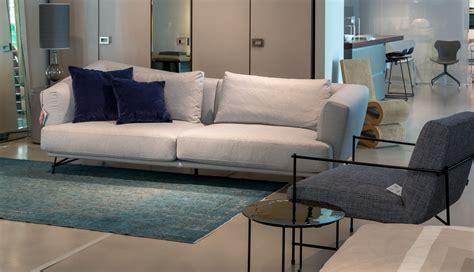 divani sconti ditre italia divano lennox sconto 45 divani a prezzi