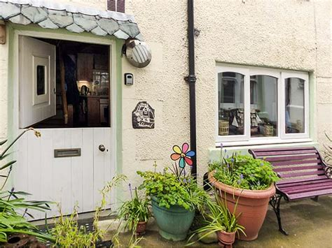 Benjamin Cottage by Benjamin S Cottage In Gardenstown This Charming Fisherman S Cottage Is Just A Walk From