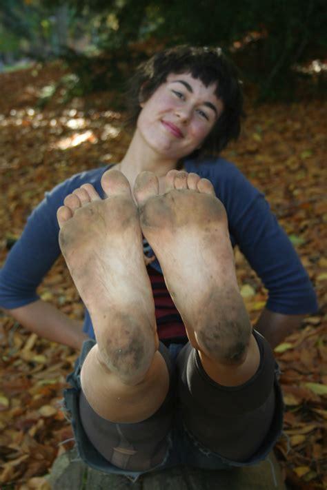 garden feet girls picture sets