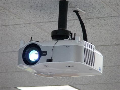 mounting your projector on the ceiling