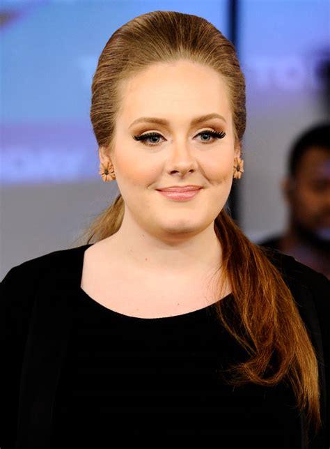 Adele the bombshell Grammy winner debuts new blonde bob at