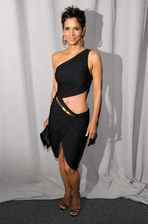 7g Nothing Black Dress halle berry reveal pantyless at fifi awards in nyc