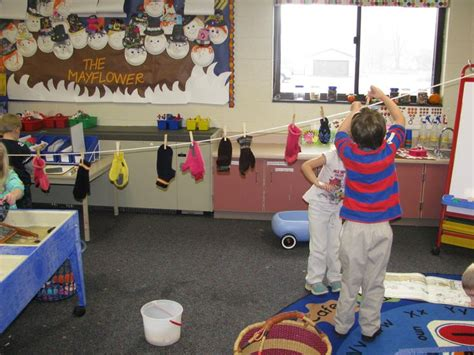 clothes theme for preschool craft the kids loved hanging the mittens they washed on a
