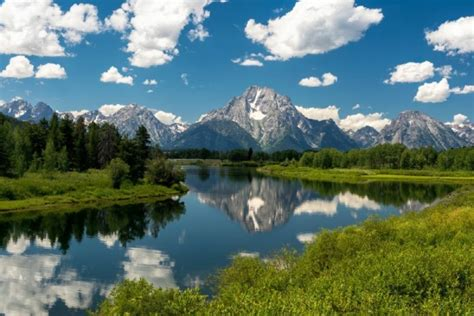 7 day yellowstone national park overnight mt rushmore 7 day yellowstone and arches national park bus tour mt