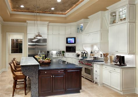 kitchen with large island kitchen with large island beautiful homes design