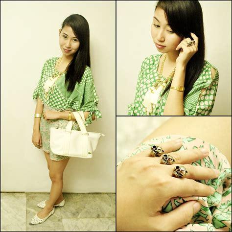 Blouse Buble Polka diane villegas green blouse with white polka dots