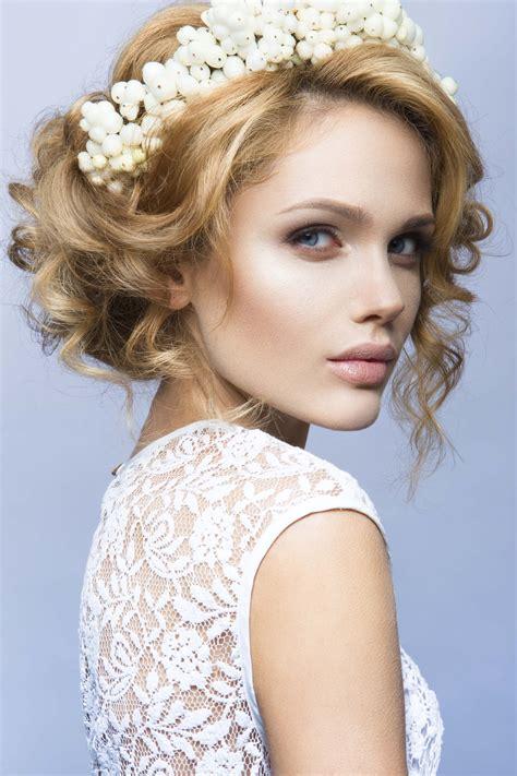 Summer Wedding Hairstyles Bridesmaids by Stunning Bridesmaid Hairstyles For Summer Weddings