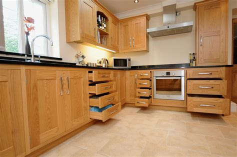 Oak Kitchen Units oak shaker kitchen st davids s kitchens