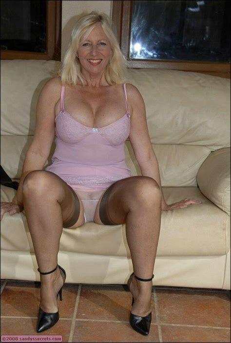blonde moms spread slit moms slit spread newhairstylesformen2014 com
