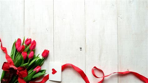 Gift Card Wallpaper - tulips and card gift hd wallpaper wallpaperfx
