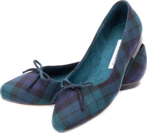Scottish Footwear Mandarina Trading black tartan pumps 100 wool tartan