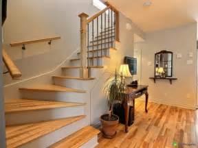 Formidable Maison D Ailleurs Meubles #2: maison-design-moderne-rampe-escalier-bois.jpg
