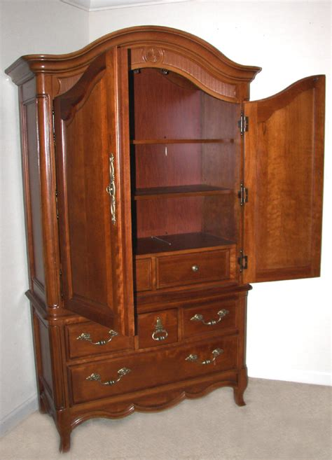 Stanley Armoire by Stanley Armoire 0111575 Grindstaff S
