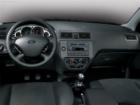 2006 Ford Focus Interior by Ford Focus 2006 Picture 11 800x600