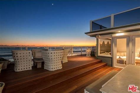 judd apatow new house this is 12m judd apatow leslie mann unloading malibu