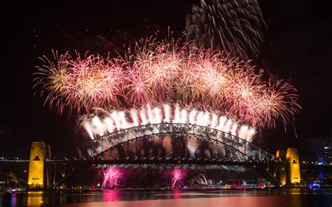 new year fireworks sydney beautiful fireworks photos and time lapse
