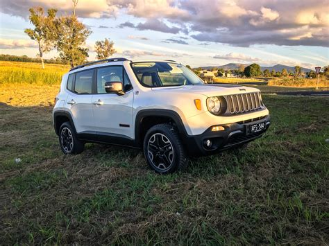 jeep trailhawk 2016 2016 jeep renegade trailhawk review caradvice