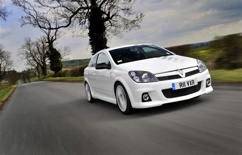 vauxhall astra vxr vauxhall astra vxr nurburgring edition photo gallery