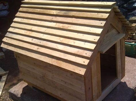 dog house built out of pallets diy chevron doghouse made of pallets 99 pallets