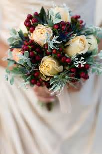 winter wedding bouquet ideas best winter wedding flowers top 10 trends for the cold