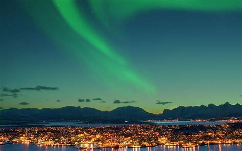 Best Places To See Lights by Best Places To See The Northern Lights Travel Leisure