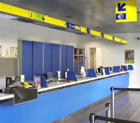 ufficio postale apre il primo ufficio postale multietnico a